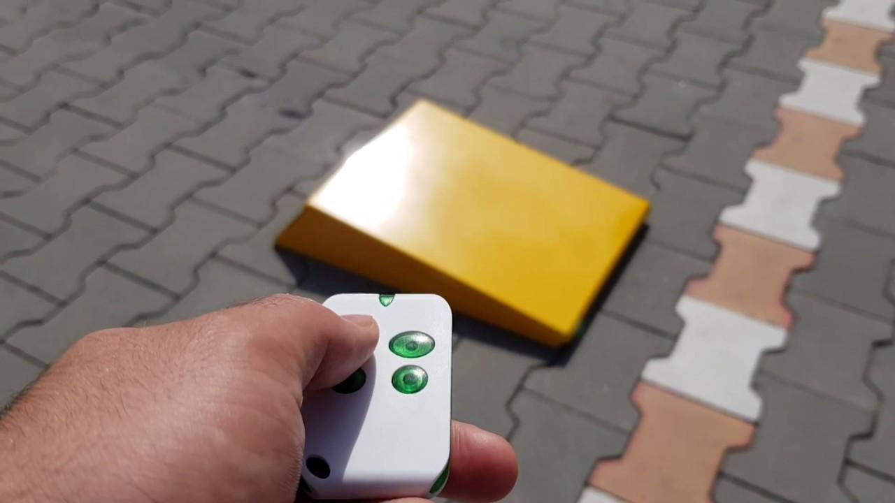 Blocator/Clusa de parcare automata cu acumulator si telecomanda