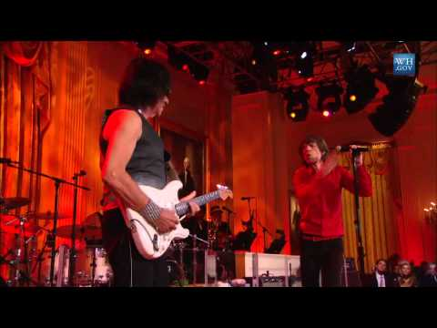 Mick Jagger & Jeff Beck Perform