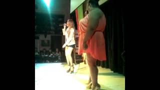 Petite belted high note during show w/ Prima Diva