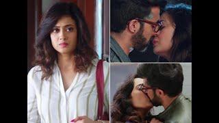 Shweta tiwari web series hum tum and them kissing seen images photos and picture Thumb