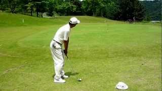 ゴルフ サンドウェッジの低いボールのアプローチで寄せる thumbnail