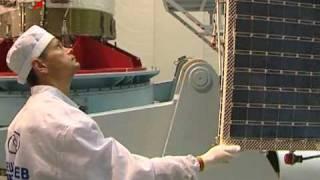 Глонасс-М. Установка солнечных батарей. GLONASS-M.(, 2010-07-30T16:45:47.000Z)
