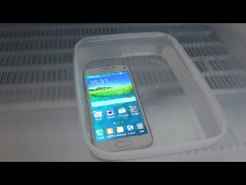 Samsung Galaxy S5 Mini Ice Block Freeze Test - Will It Survive? (4K)