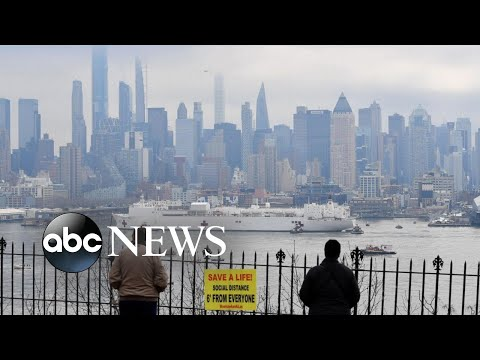 Residents In New York Watch As Navy Ship Comfort Arrives | WNT