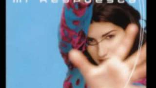 Watch Laura Pausini Una Historia Seria video