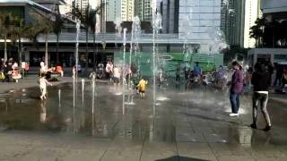 Gambar cover 東薈城 噴水池 東涌東薈城