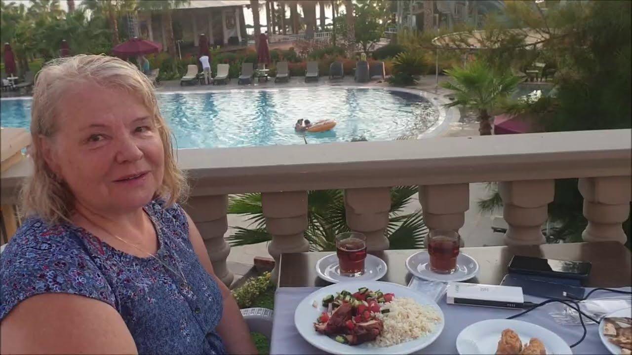 Ужин в Отеле Justiniano Deluxe Resort.