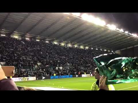 "Hibs fans singing ""Sunshine On Leith"" after winning the Edinburgh derby last night. 🇳🇬👏"