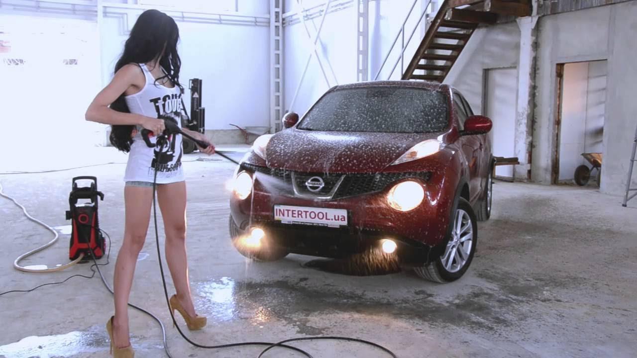 девушки моют машину видео