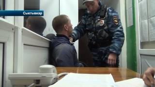 В Сыктывкаре автолюбителю, который сыграл буйного водителя, вручили награду