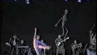 GENESIS - HERE COMES THE SUPERNATURAL  ANAESTHETIST (THE LAMB LIES DOWN ON BROADWAY)