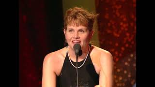Shawn Colvin Inducts Joni Mitchell at the 1997 Rock & Roll Hall of Fame Induction Ceremony