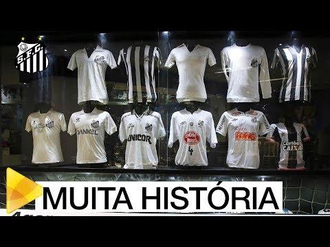 """Com presença de ídolos, """"O Manto Sagrado"""" é exposto no Memorial das Conquistas do Santos FC"""