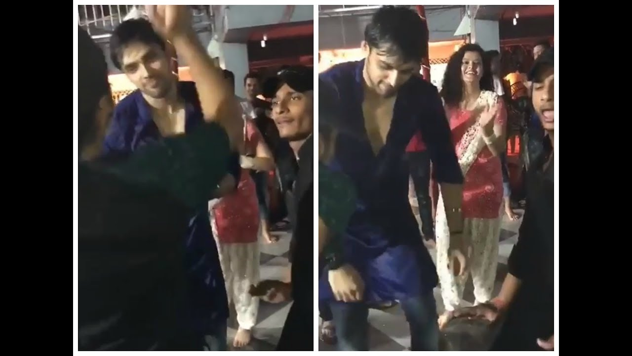 2017 05 parth samthaan family - Parth Samthaan Crazy Dance At Ganpati Visarjan
