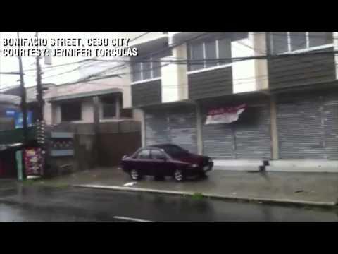 Strong Winds over Bonifacio Street, Cebu City