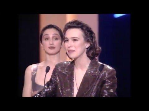 Ariadna Gil se alza con el Premio Goya 1993 a Mejor Actriz