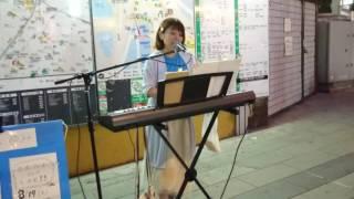 千葉駅で路上ライブ.