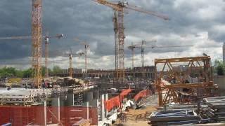 10 кранов LIEBHERR строят жилой комплекс