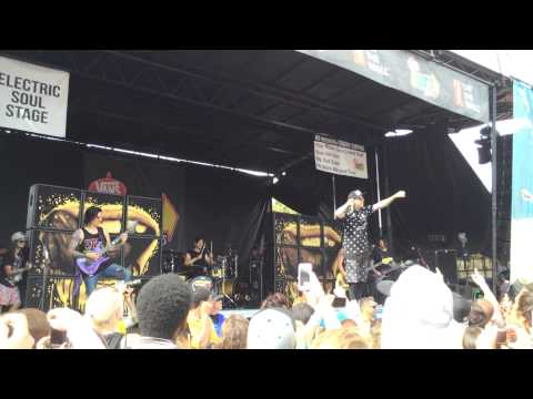 Falling In Reverse fashionably late warped tour 2014 vinoy park St Fl