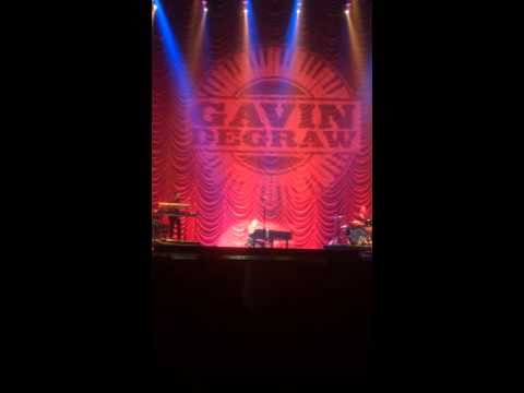 Gavin DeGraw performing Chariot in Denver Rock This Country Tour 8/14/2015