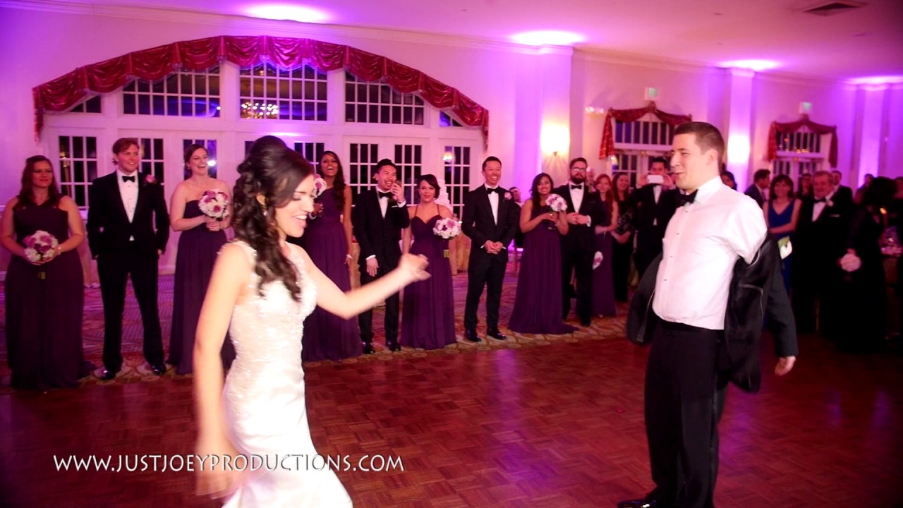 Amazing first dance bride and groom kill it at their wedding amazing first dance bride and groom kill it at their wedding stephanie steve belvoir mansion junglespirit Gallery
