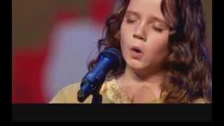 Amira Willighagen, bambina prodigio, canta 'O mio babbino caro'
