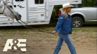 Rodeo Girls: Sadie Falls Off A Horse During A Race (S1, E5) | A&E