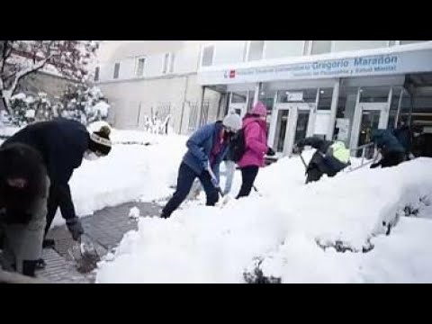Spain snow storm: Fears freezing temperatures will turn snow to perilous ice