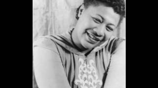 When My Sugar Walks Down the Street - Ella Fitzgerald