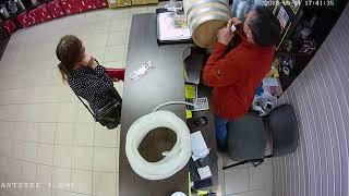 Цыганка пытается развести продавца в магазине самогонных аппаратов Колба Челябинск