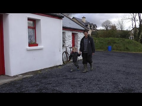 JACK's OLD COTTAGE (HD) - an Irish example of community development in rural areas