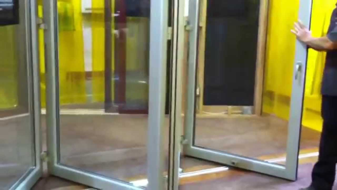 & Weiland Beefly Bi-Fold Doors - YouTube