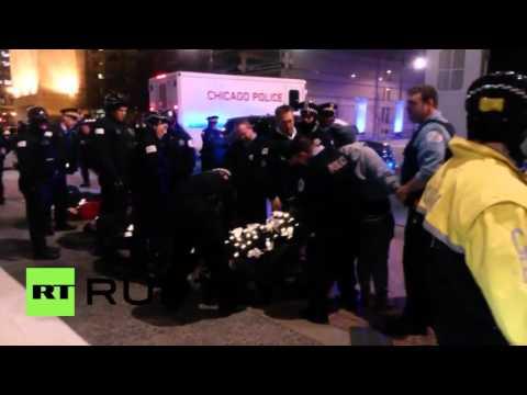 USA: Arrests as activists block Chicago street over McDonald shooting