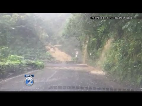 Shelter opens for motorists due to Hana Highway landslide