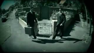 SMASH 'N' GRAB (Feat. JAMES REYNE) - SHE DON'T LIKE THAT 2004