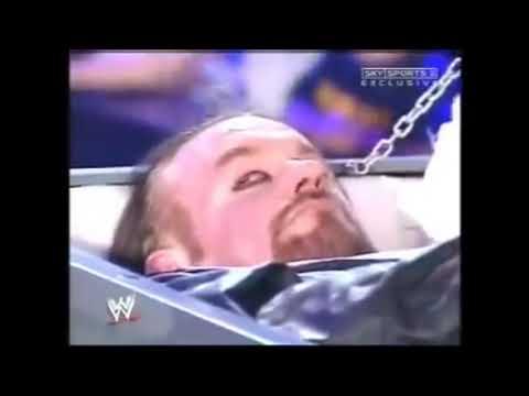 Реслінг WWE трунар андертейкер встав з мертвих