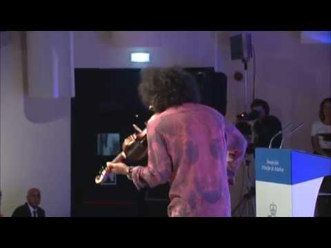Actuación de Ara Malikian en Oviedo durante la apertura de los Cursos de Verano