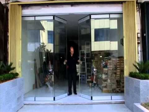 GCC folding and sliding wall system with last free swing panel - YouTube