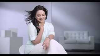 Indulekha Bringha Selfie bottle Testimonial Ad - Actress Lena`s secret to prevent hair fall! Thumbnail