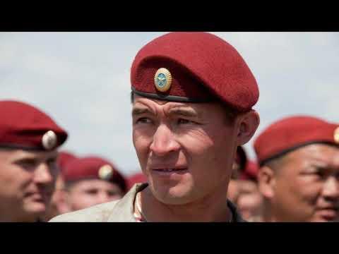 Как одевать берет военный
