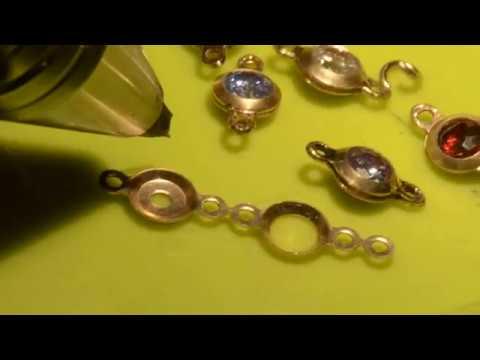 Сборка браслета с камнями   аппаратом контактной сварки.