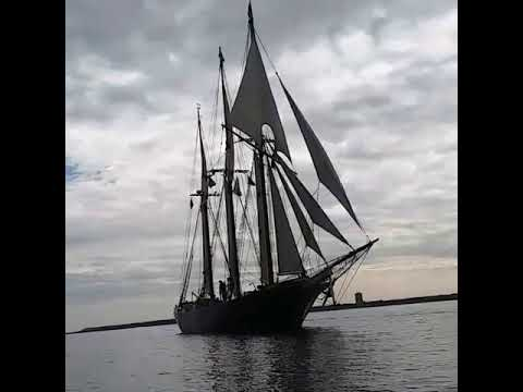 S/V Denis Sullivan Under Full Sail