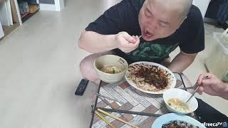 일요일 아버지랑 전국노래자랑 보며 잡채짜장밥 먹기(소소한 일요일 점심 먹방)