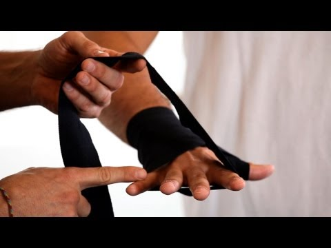2 Best Ways to Wrap Your Hands | Boxing Lessons