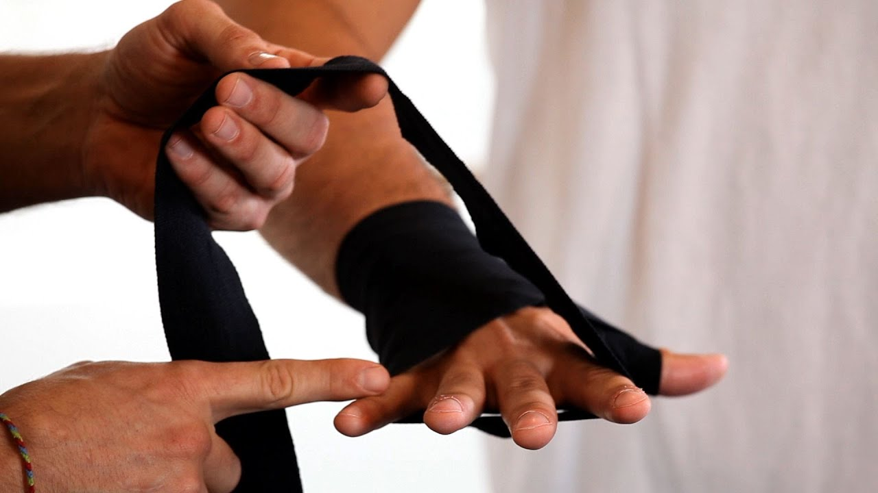 2 Best Ways To Wrap Your Hands Boxing Lessons