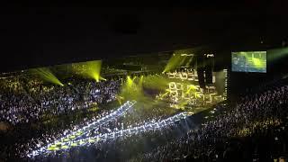 Maroon 5 - Sugar (Live at Madison Square Garden)