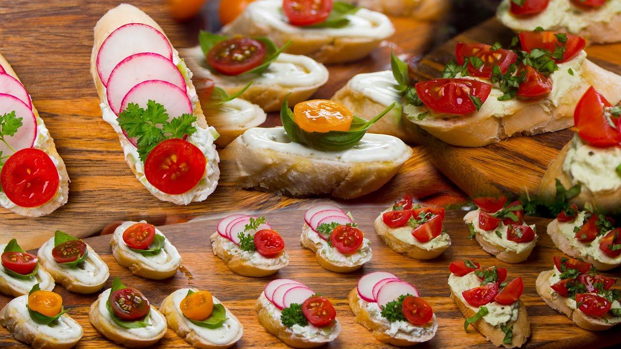 Bagietkowa przekąska – serek topiony, rzodkiewka i pomidorem