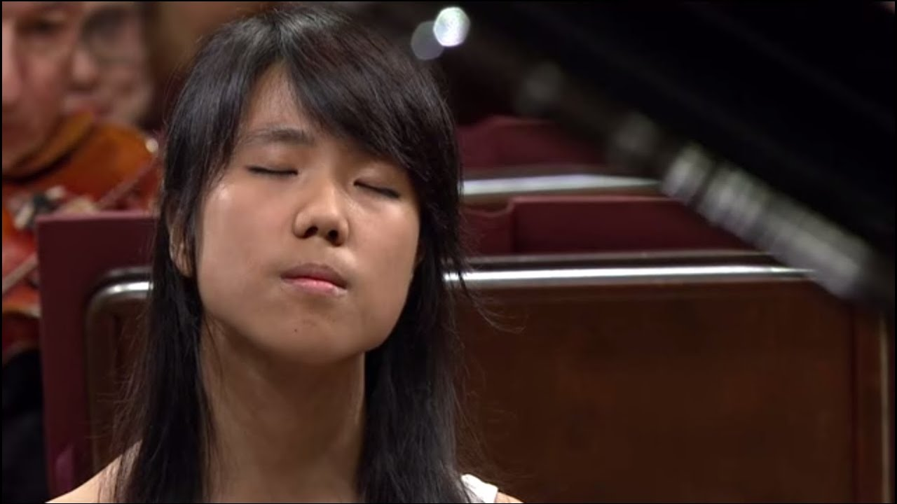 Kate Liu – Piano Concerto in E minor Op. 11 (final stage of the Chopin Competition 2015)
