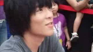 2008 蕭敬騰專輯改版First Live台北簽唱會當評審花絮3:聽轟沃克唱活著