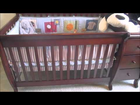 Stork Craft Portofino 4 in 1 Fixed Side Convertable Crib & Changer